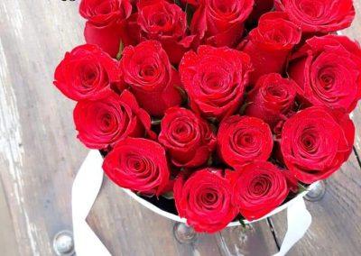 flowerbox cervene ruže