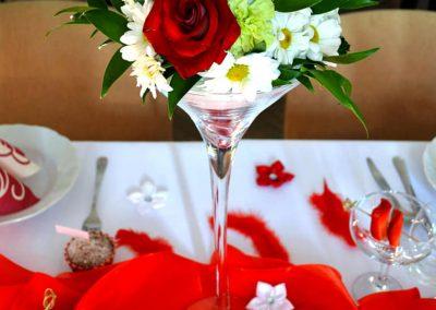 ikebana cervene a biele ruze oslava narodenin Turie