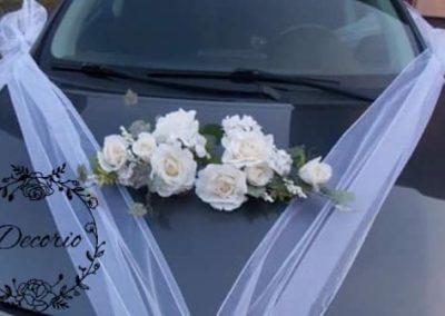 výzdoba svadobného auta Biele ruže