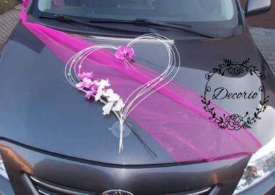 výzdoba svadobného auta Srdce cyklámenové